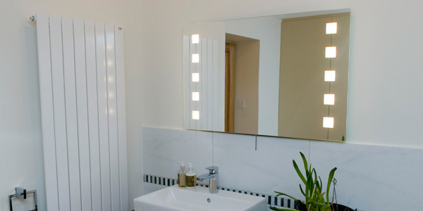 Graceful Mirrors with High-Quality Craftsmanship to Eliminate the Imperfections